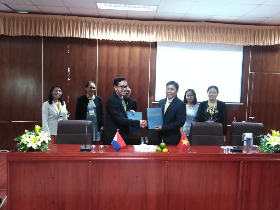 SSU attends 1st VietPhil Forum, signs MOU with Tra Vinh University